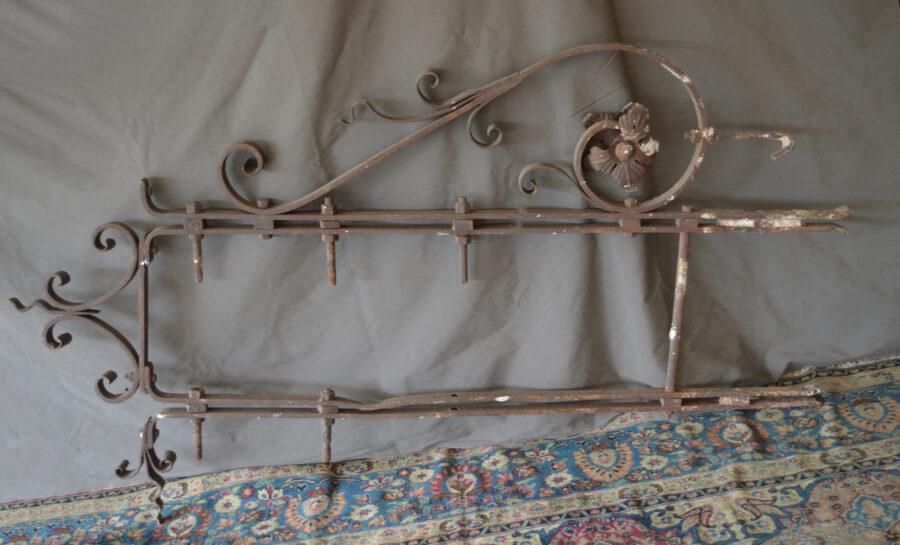 Varie Insegna a bandiera Art Nouveau in ferro battuto