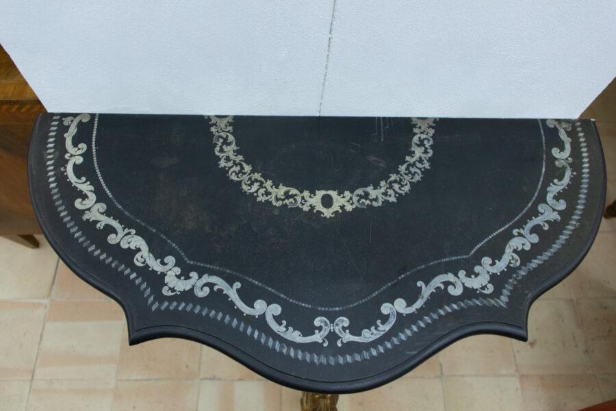 Consolle Consolle dorata con piano in marmo belga intarsiato e modanato