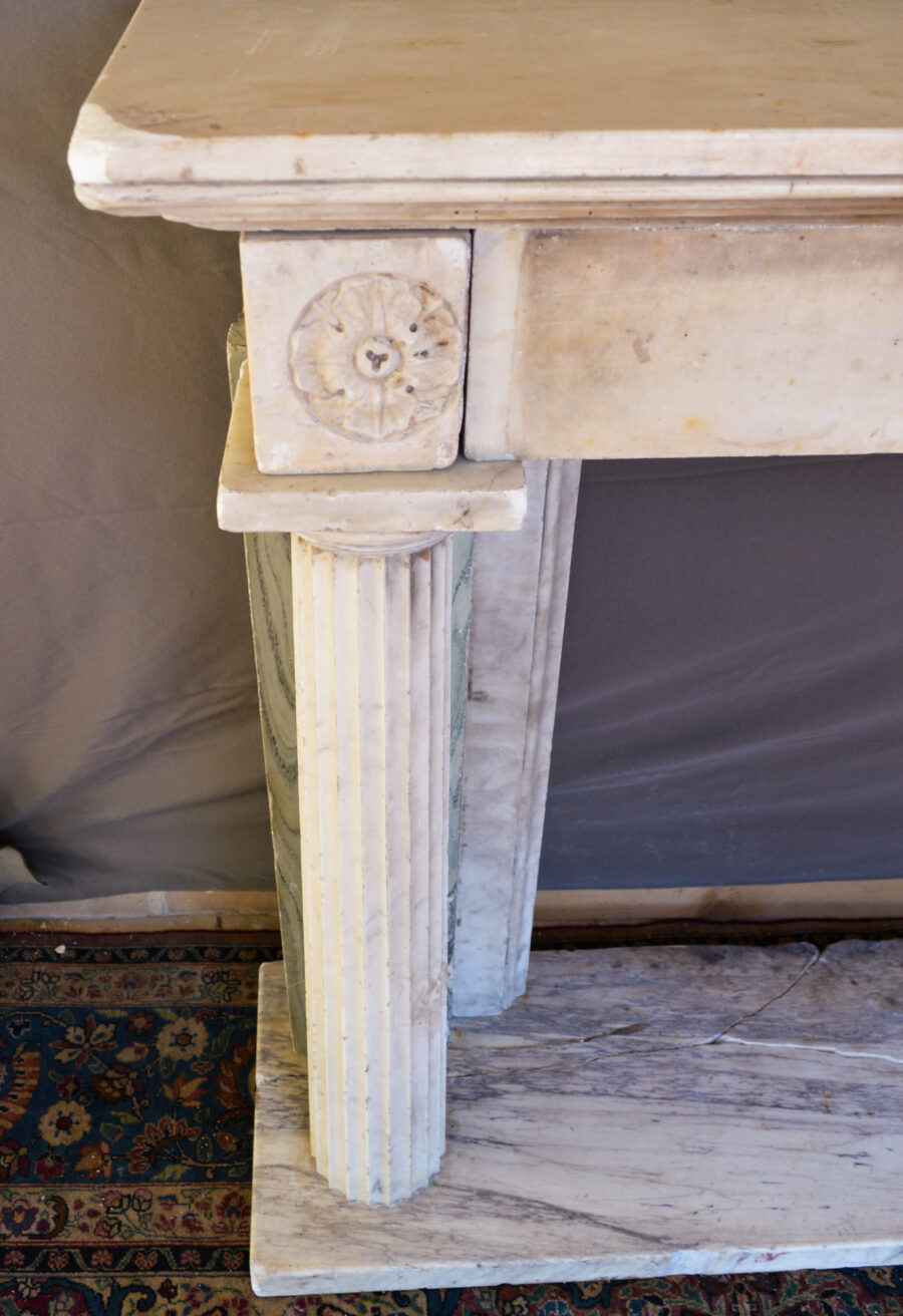 Camini Camino in marmo di Carrara Italia